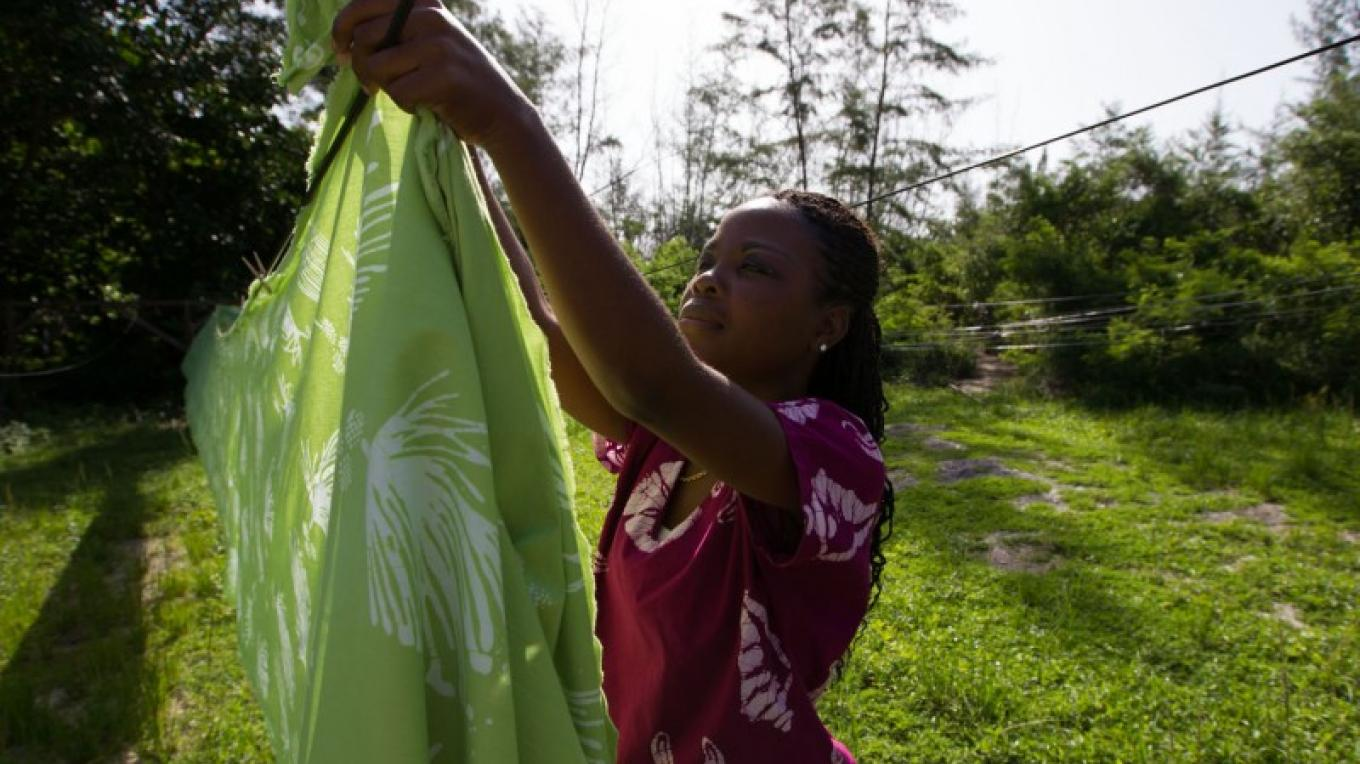 Dyed fabric being hang to be sun dried – Bahamas Ministry of Tourism