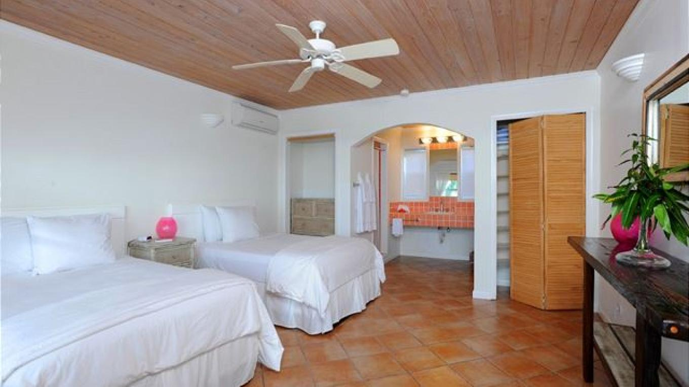 Bedroom with double beds – Eleuthera Vacation Rentals