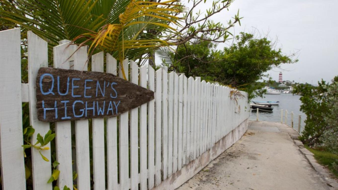 Queen's Highway on the way to the beach – Bahamas Ministry of Tourism