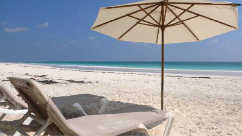 Beach for Valentine's Guests – Valentine's Resort