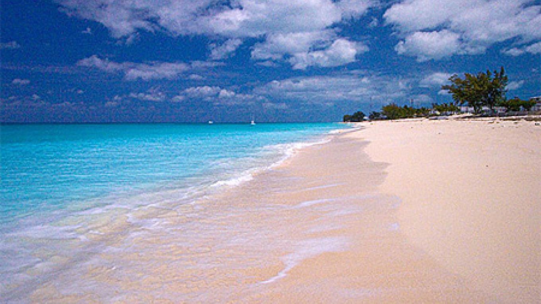 Bimini Alice Town Beach – Bimini Tourist Office