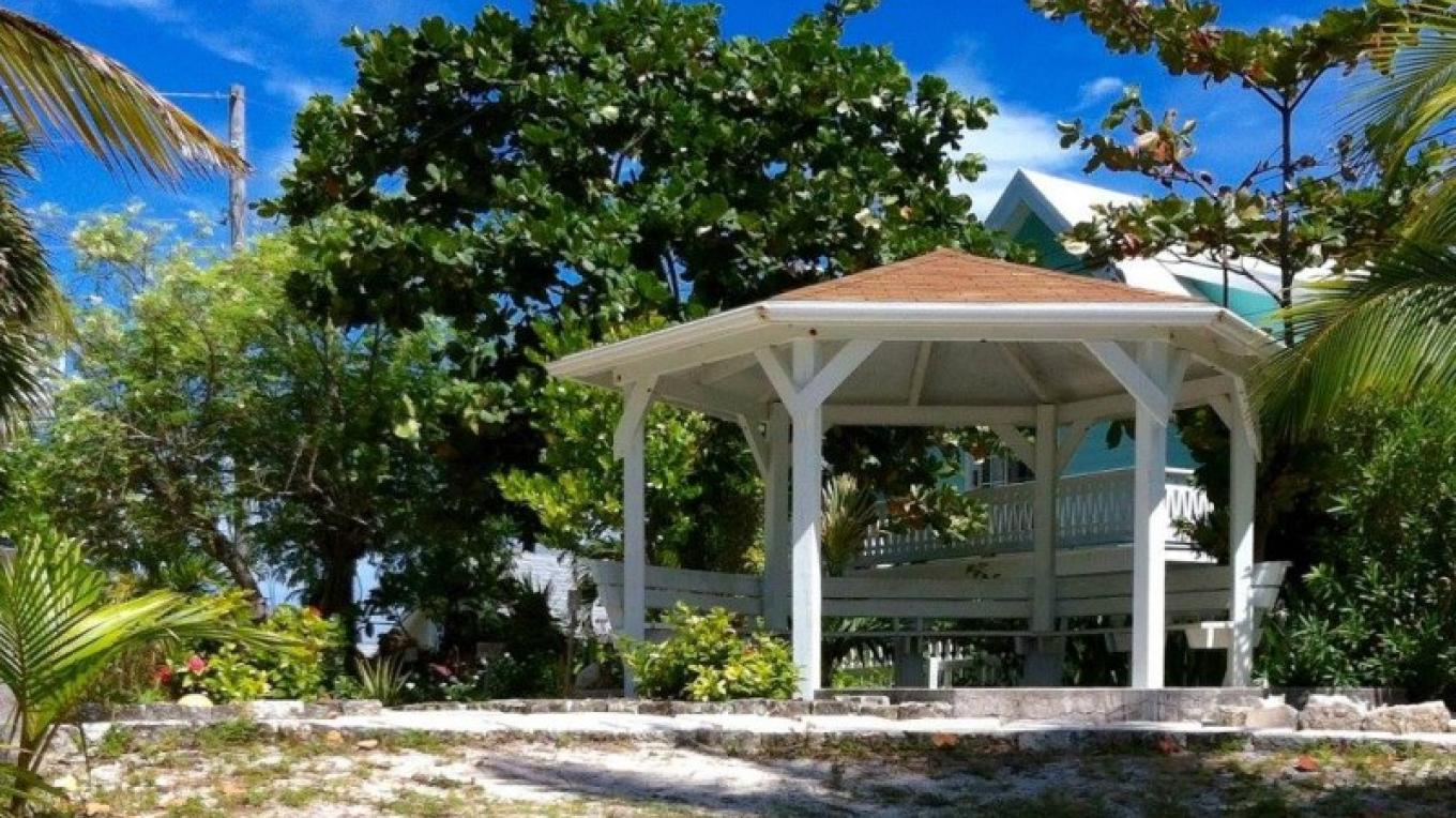Byrle Patterson Memorial Garden in Hope Town, Abaco – Brigitte Carey