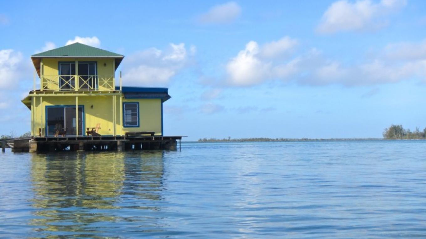 Sunset Point Houseboat