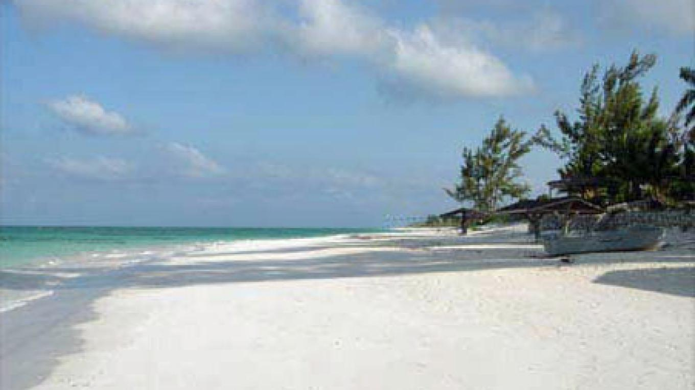 A section of Cat Island's Eight Mile Pink Sand Beach – Bahamas Ministry of Tourism