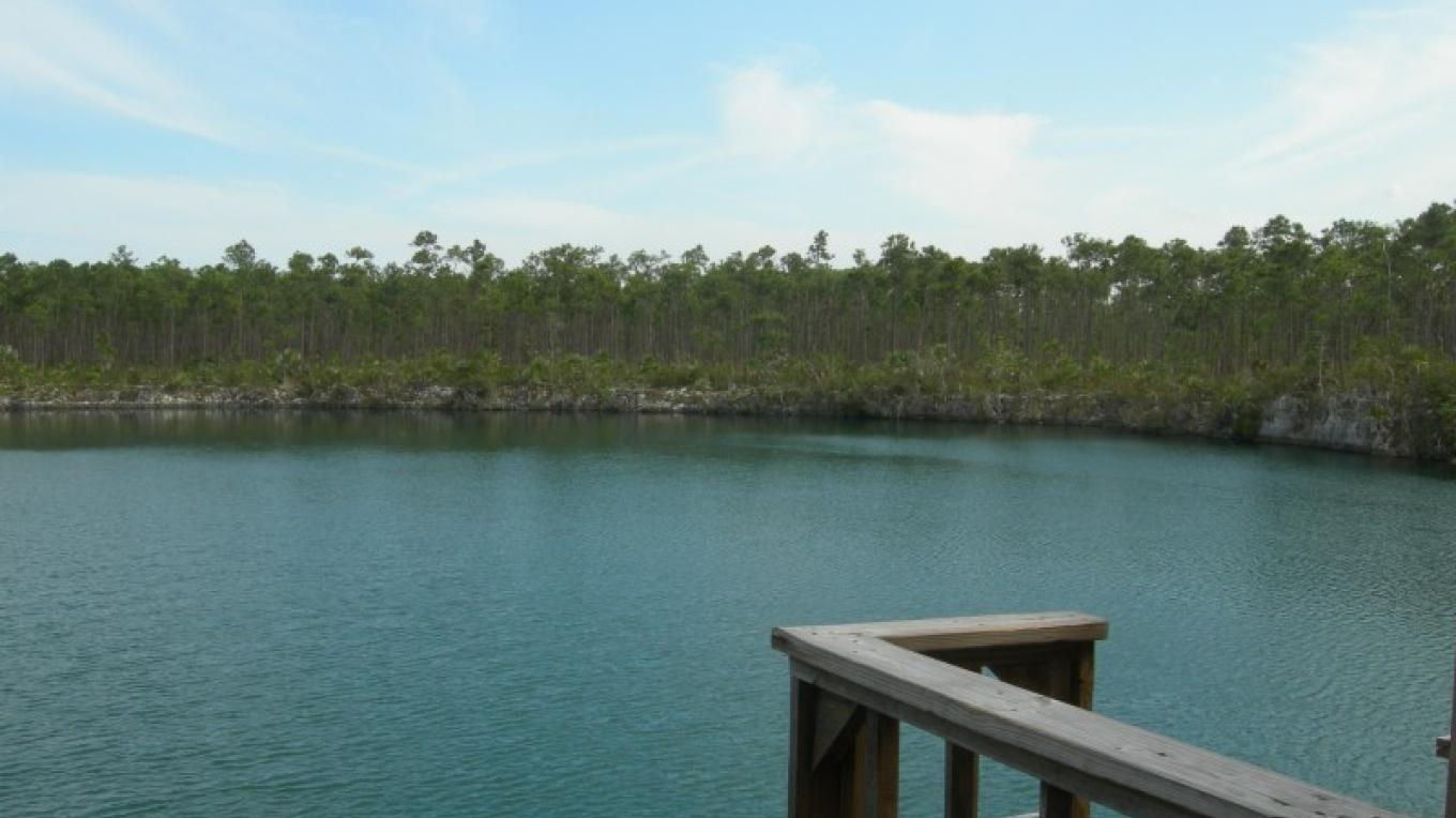 Photo of Blue Hole. – Bahamas Ministry of Tourism