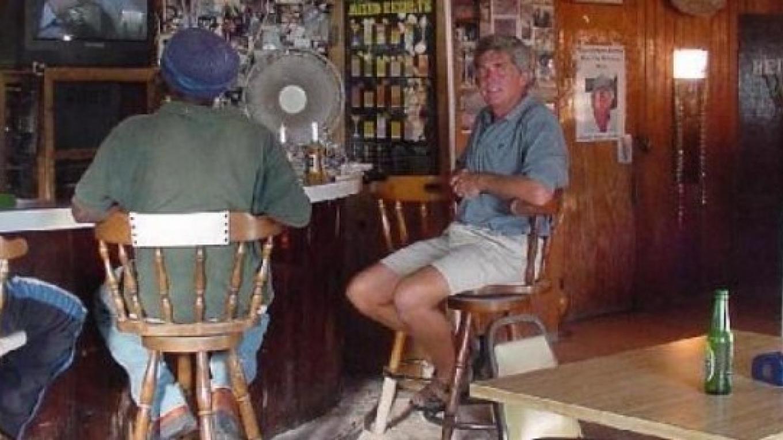Inside Kaye's Restaurant & Sand Bar – Bahamas.com