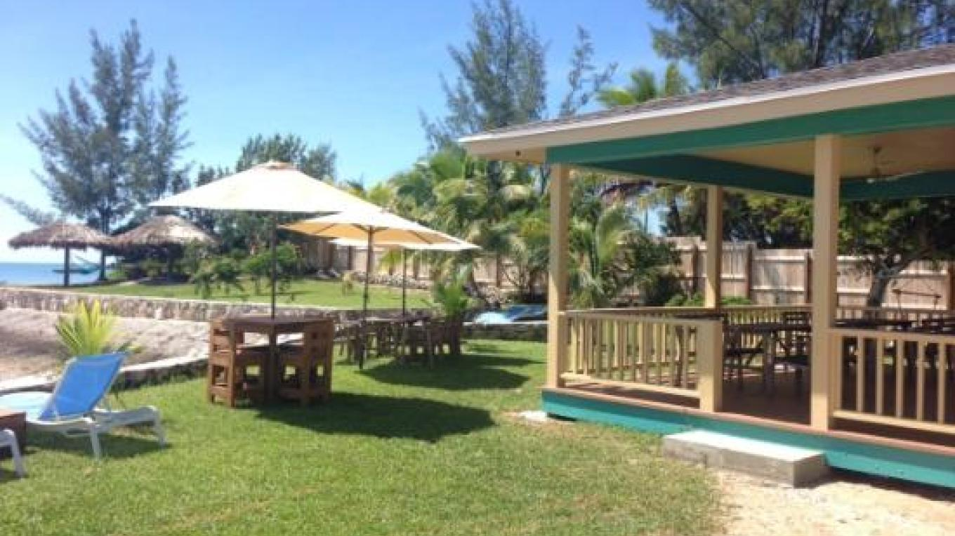 Lounge and dining area at the Sandbar – tripadvisor