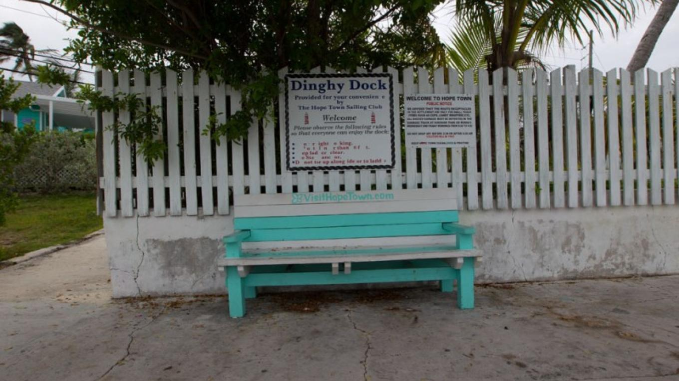 Picket fence with bench – Bahamas Ministry of Tourism