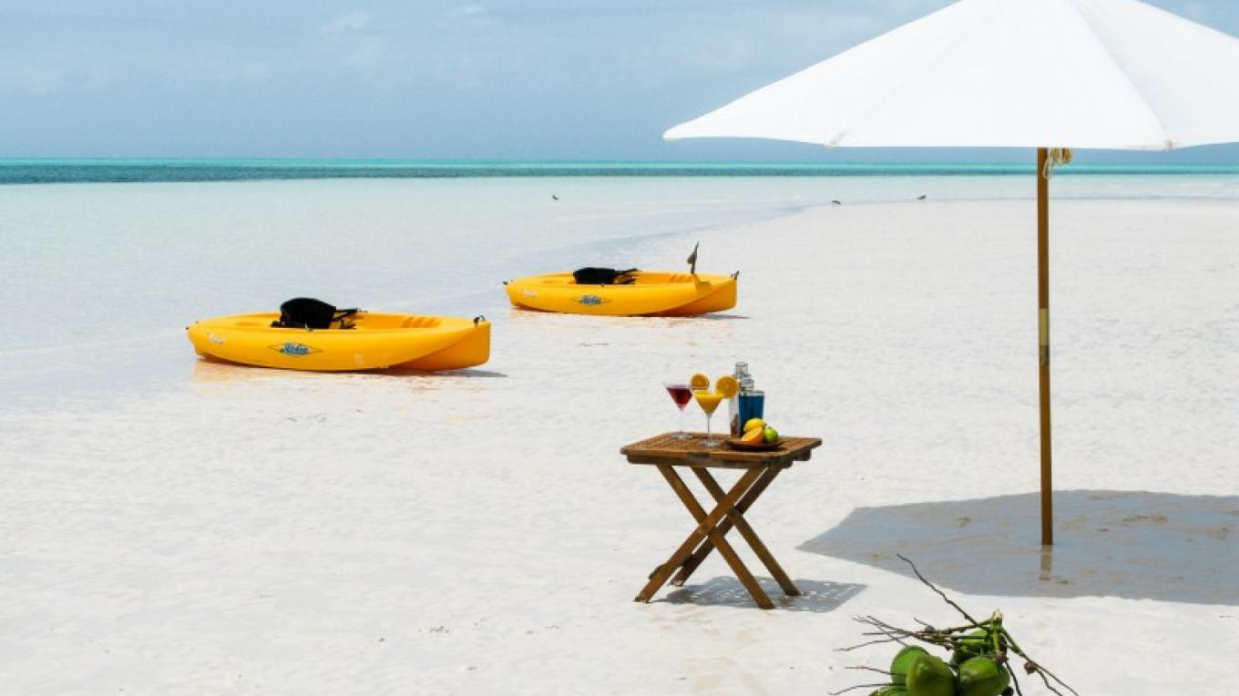 Cocktails on a remote Sandbar – Cuvee