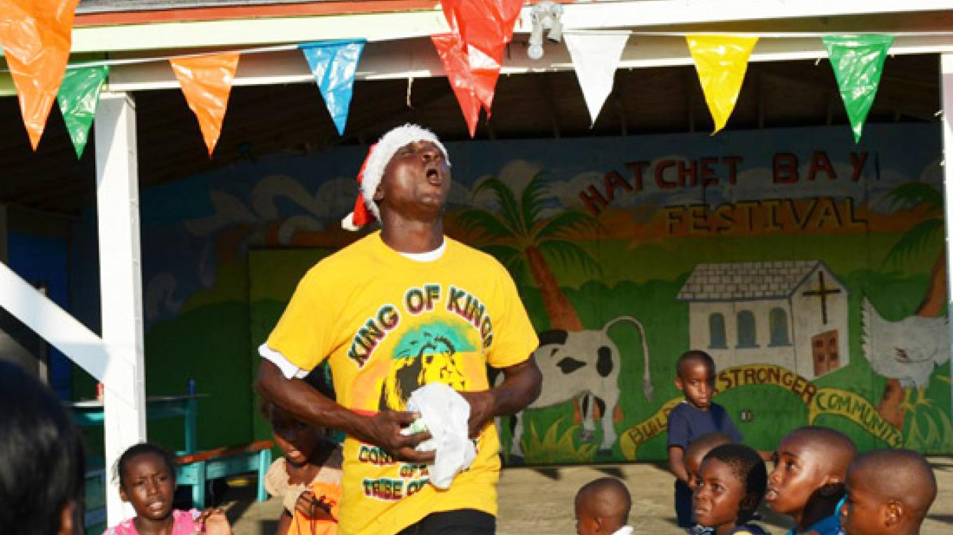 Local entertainer give the children a treat – Eleuthera news