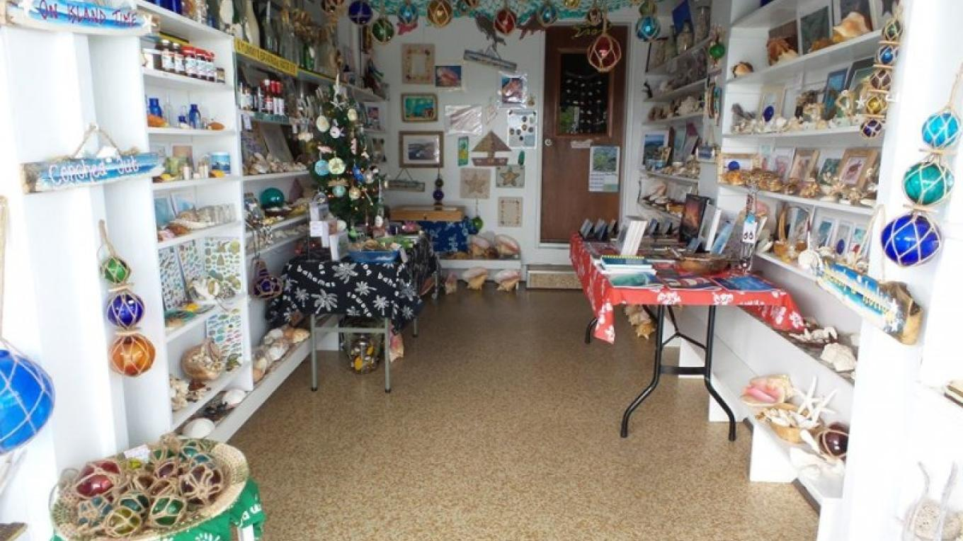 Authentically made Bahamian souvenirs – Ponderosa Shell & Gift Shop