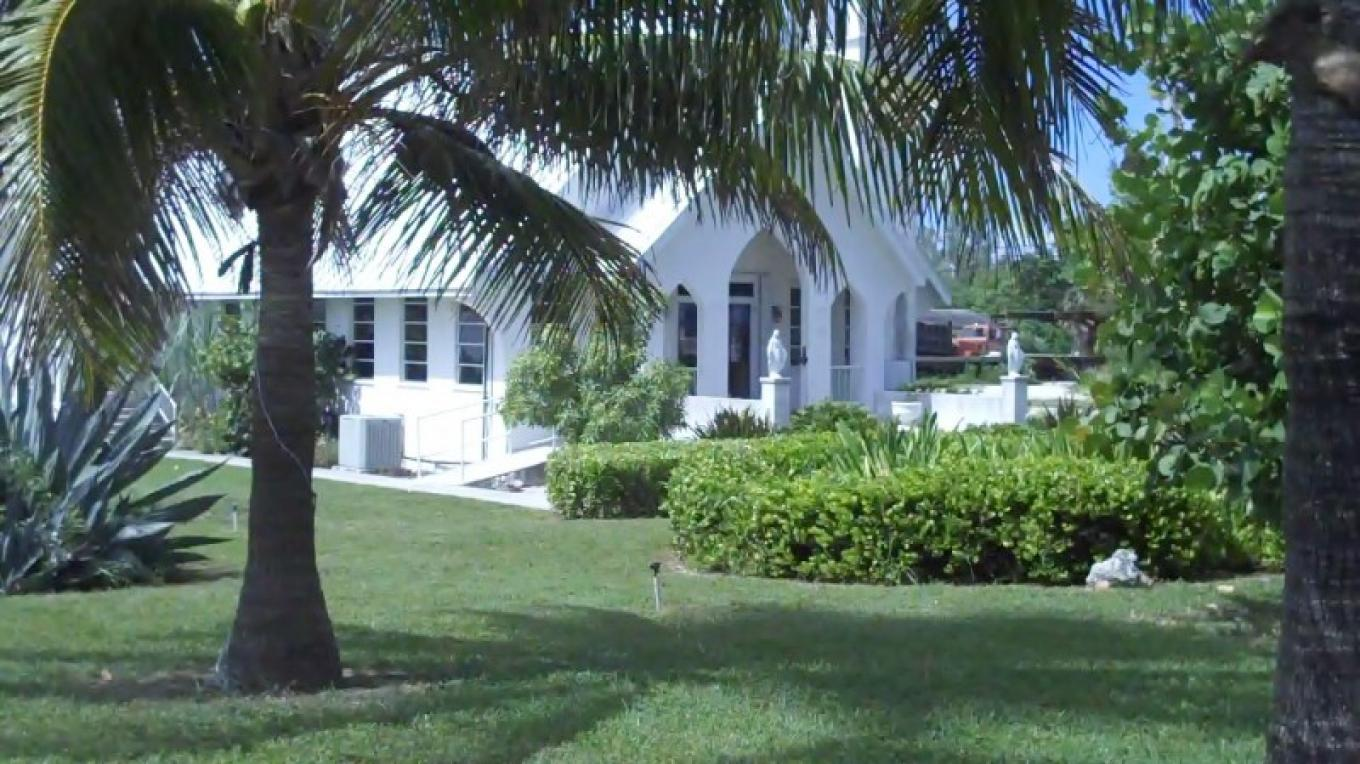 Front entrance of St. Jude's Anglican Church – Bahamas Ministry of Tourism