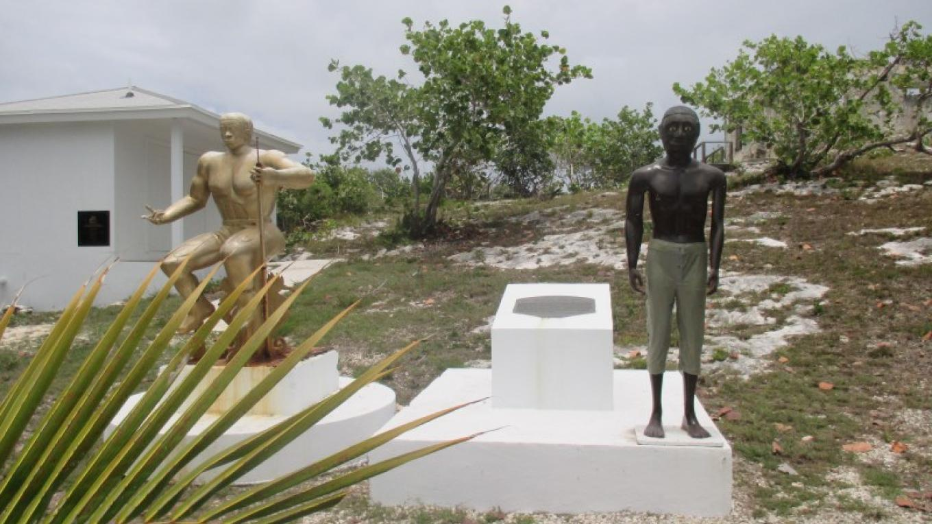 Two statues of the slave Pompey – Bahamas Ministry of Tourism