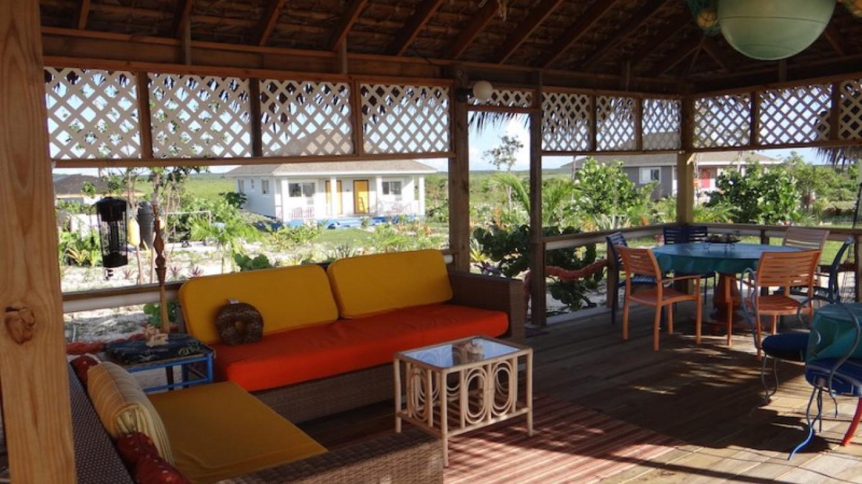 Rollezz Villas Beach Resort