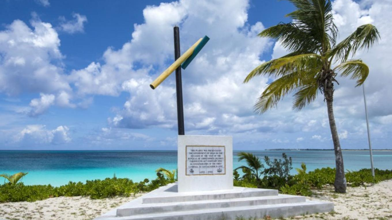 Monument commemorating the landfall of Christopher Columbus in 1492. – Alex Mustard