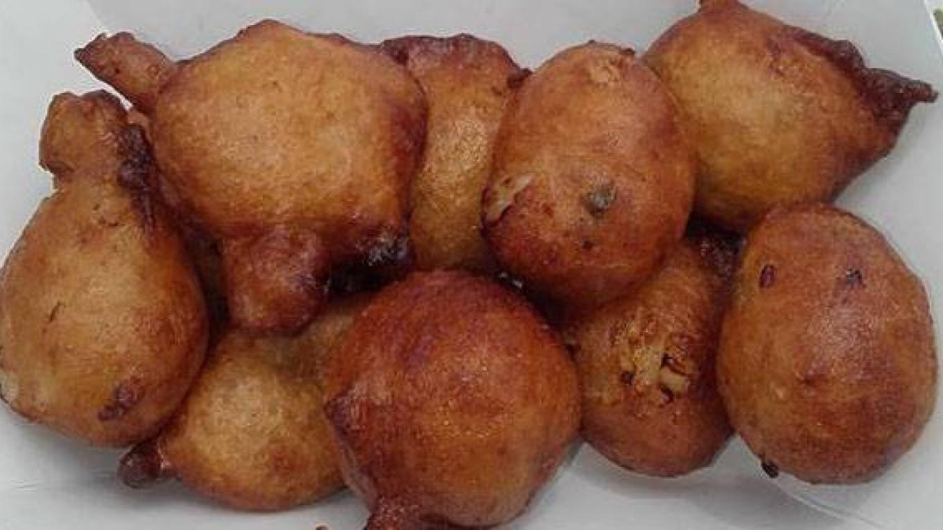 Backside Bar Conch Fritters – Berry Islands Tourism Representative