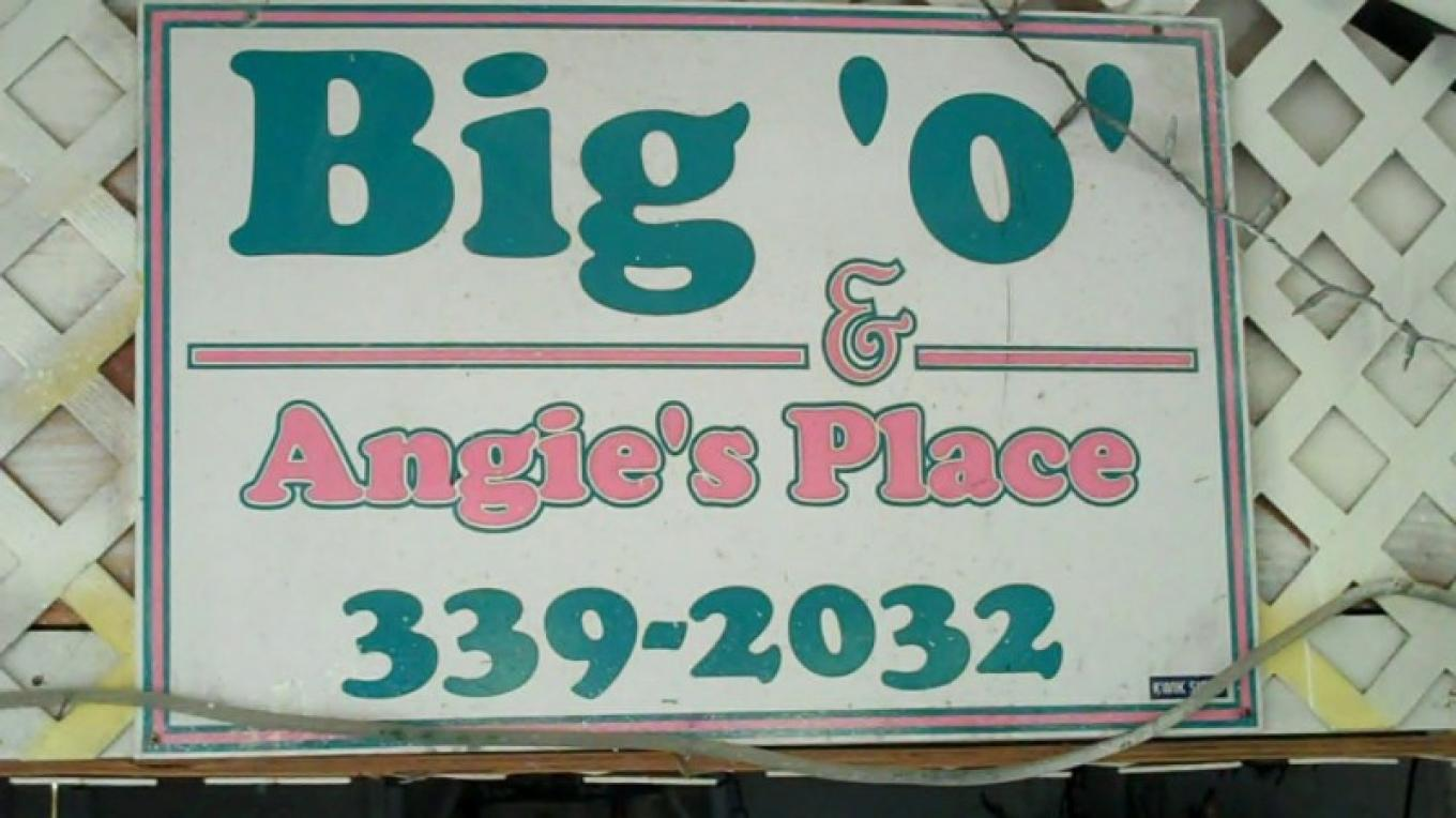 Bar sign at Big 'O' & Angie's Place – Bahamas Ministry of Tourism