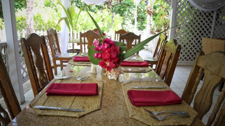 Restaurant area – Tingum Village