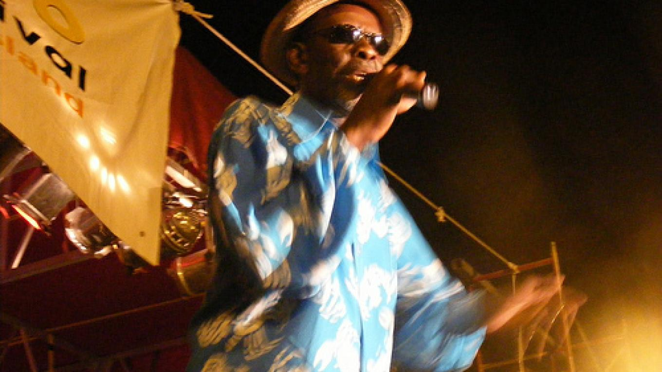 Photo of Elon Moxey Performing. – Bahamas Ministry of Tourism