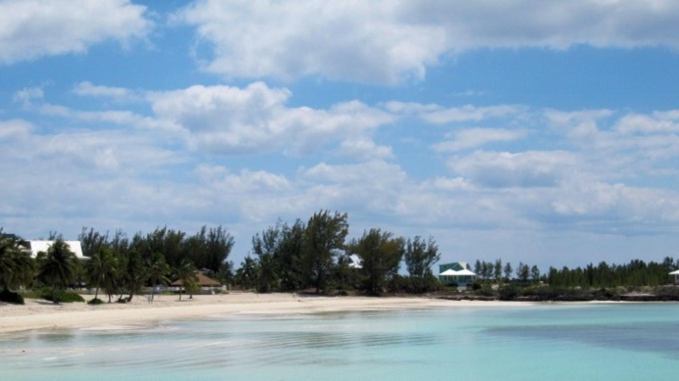 The Beach at Chub Cay Club – Chub Cay Club