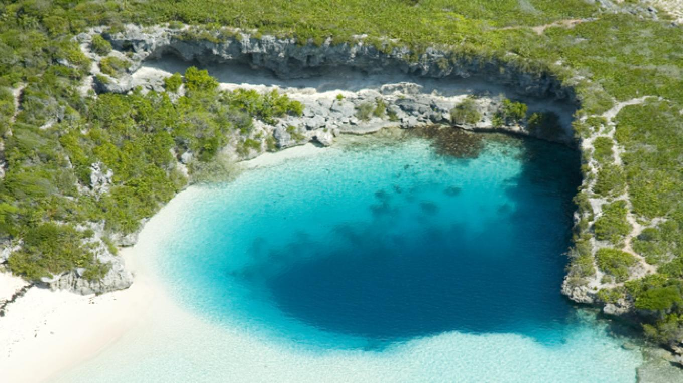 Dean's Blue Hole - Dean's, Long Island – Bahamas Ministry of Tourism