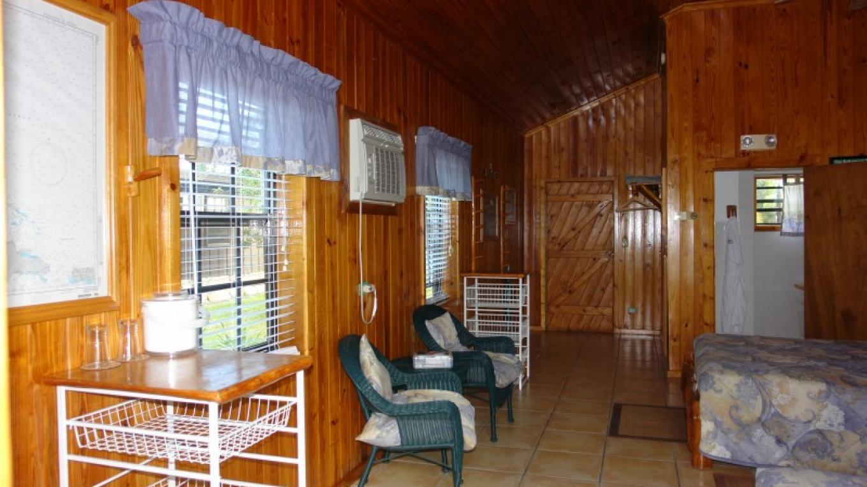 Photo of Lodge room. – Stafford Creek Lodge