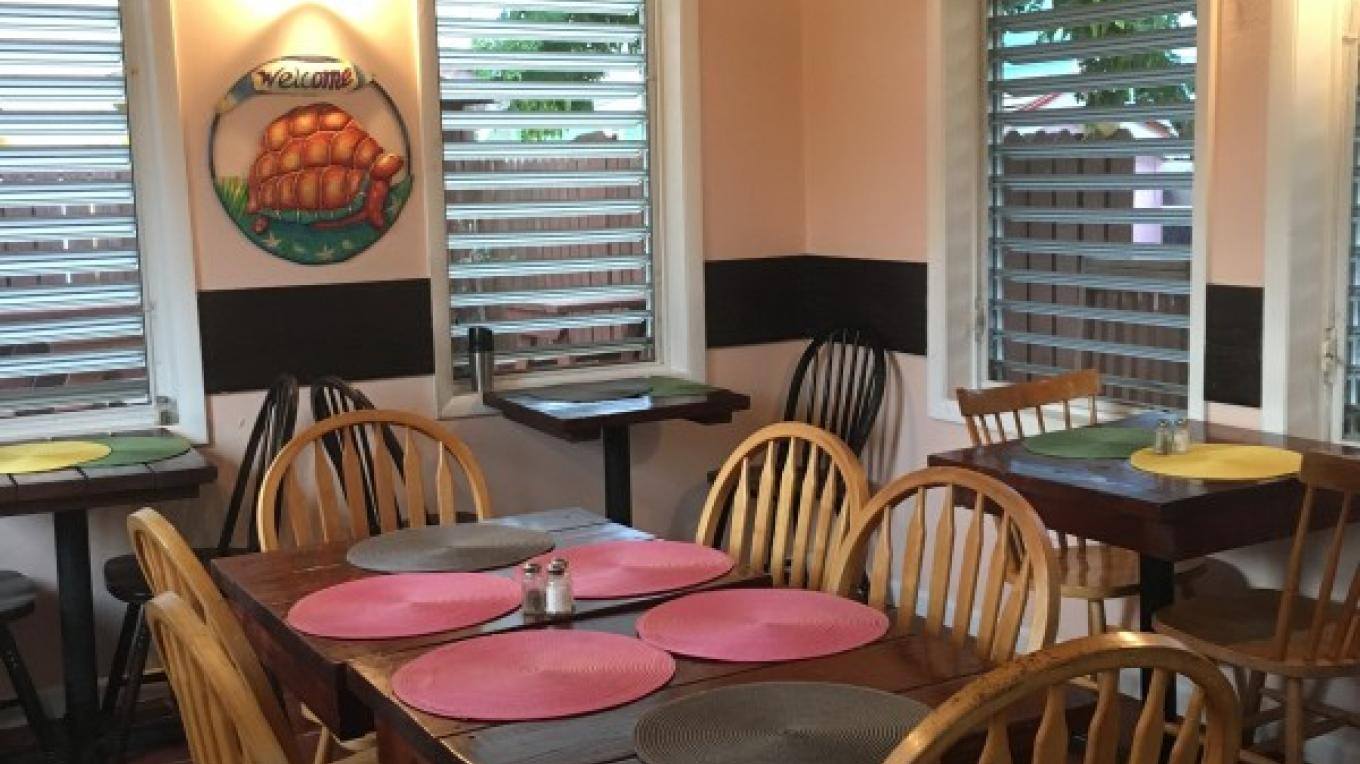 Dining area of Bay Inn restaurant – Bay Inn Estates