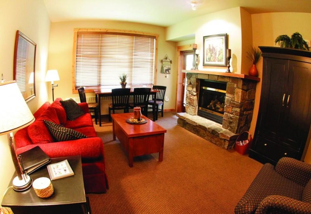 Morning Eagle living room