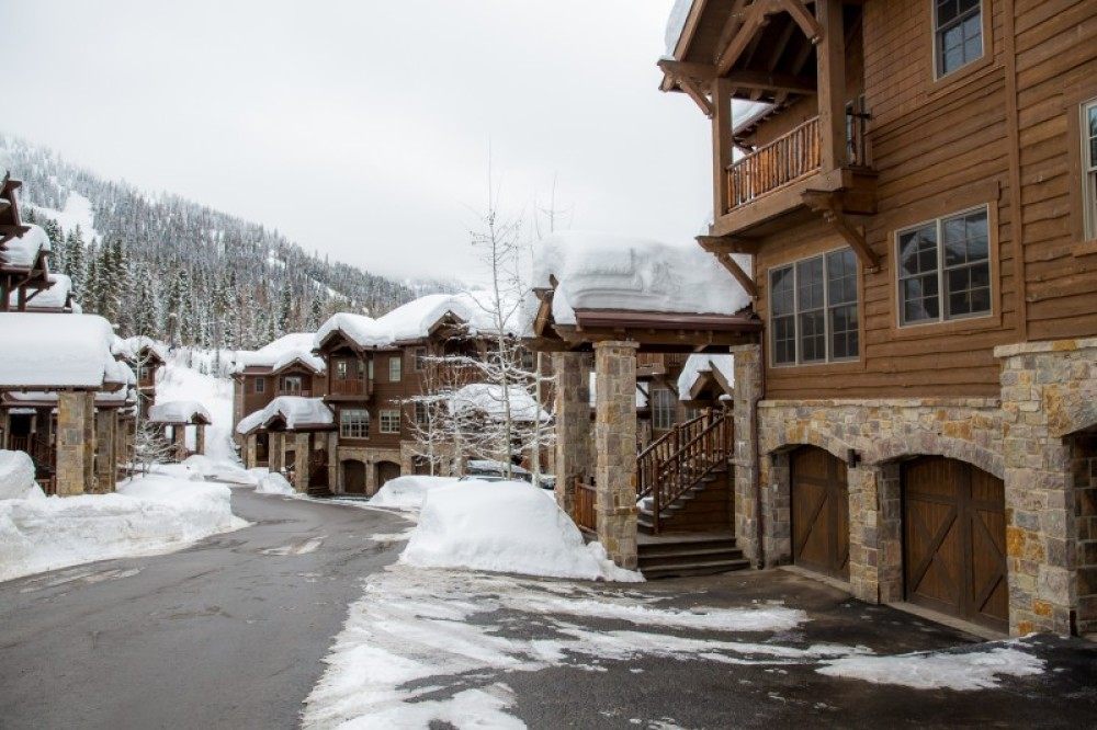 Ski-in Ski-out Slopeside HOA – Green Kat Photography