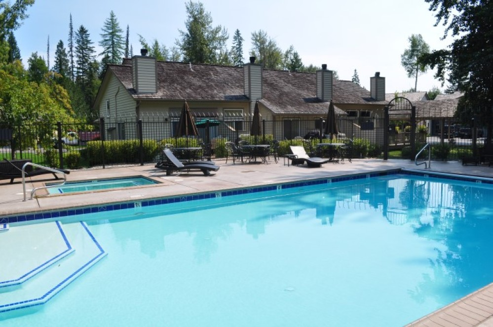 All guest of Mountain Harbor can use the pool, hot tub and tennis courts.