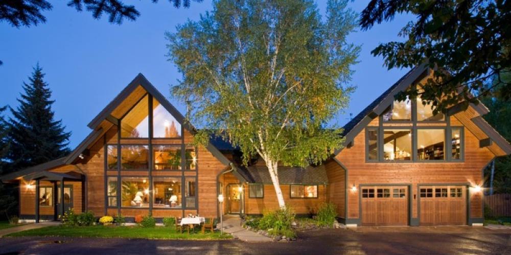 Front exterior – Good Medicine Lodge