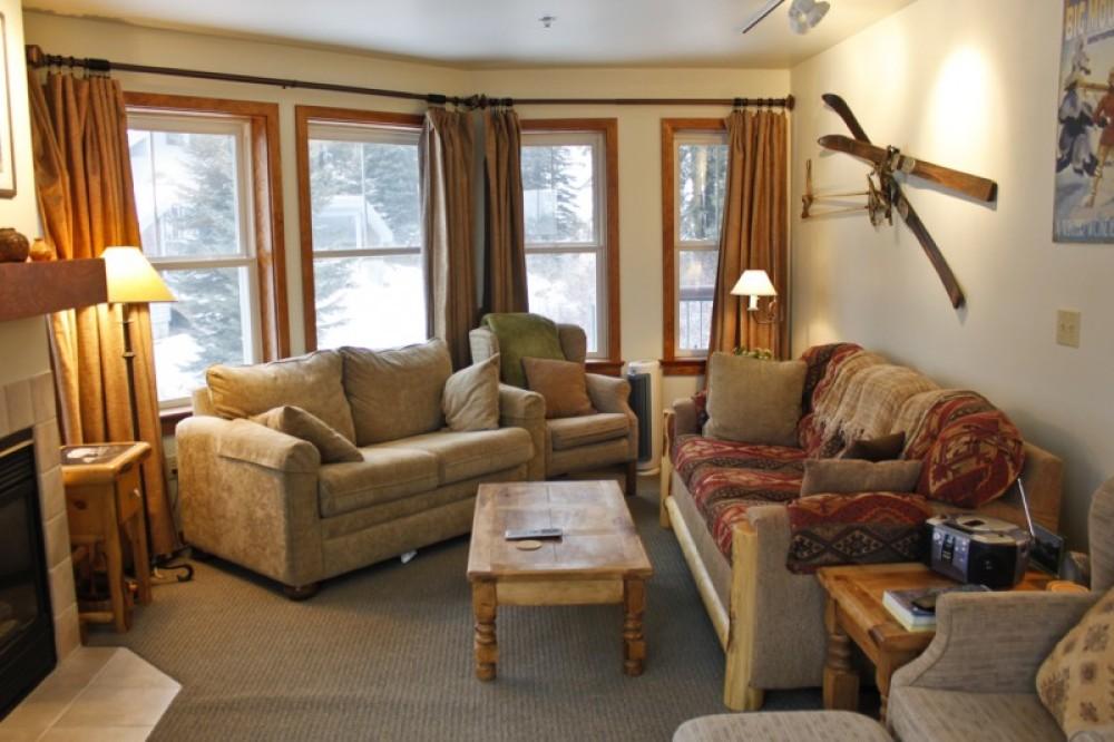 Kintla living room