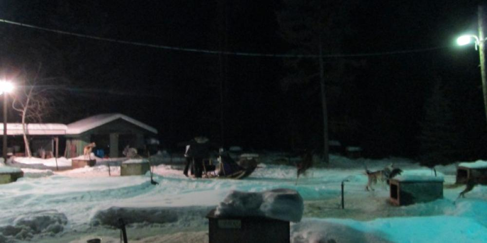 Getting ready to head out of the dog yard for a full moon dog sled tour! – Sara Parr