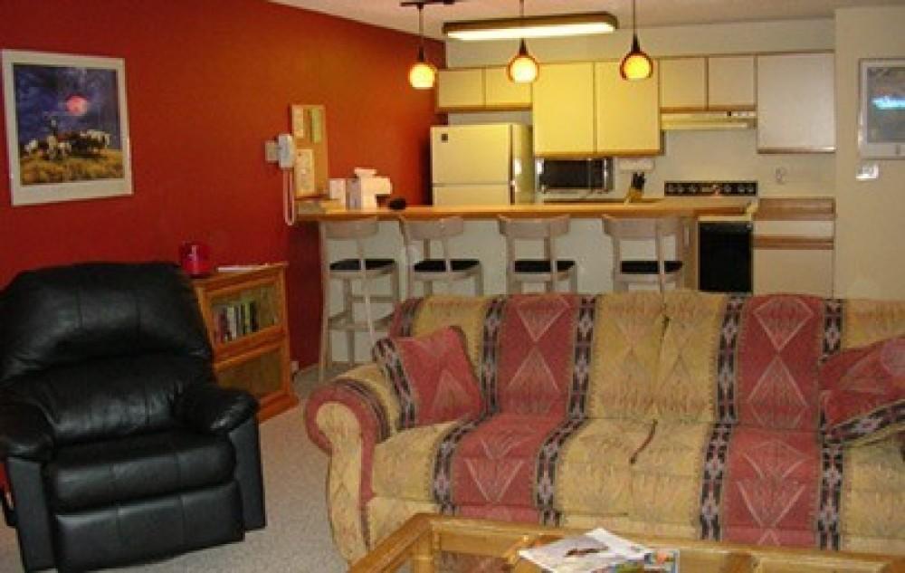 kitchen – Edelweiss Condominiums