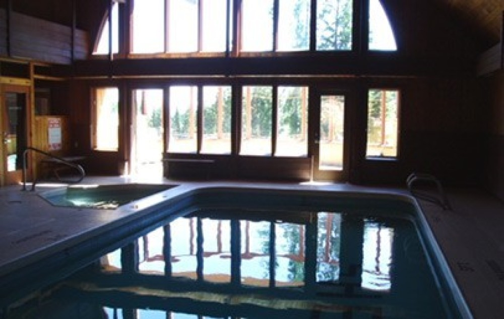 Sherpa Complex indoor pool (available to all WMRL guests) – Whitefish Mountain Resort Lodging