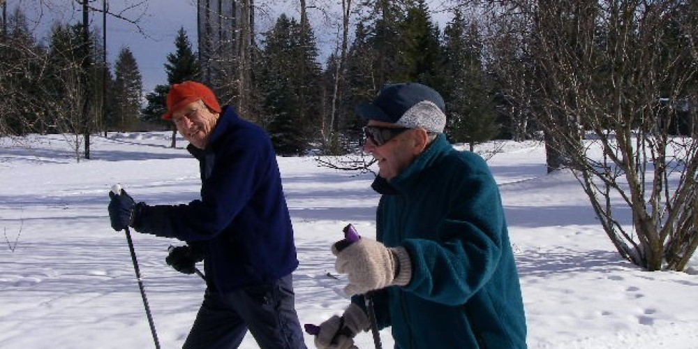 Larry Schroeder (83) and Jack Fletcher (82) enjoying a beautiful March day. March 2008 – L Nugent