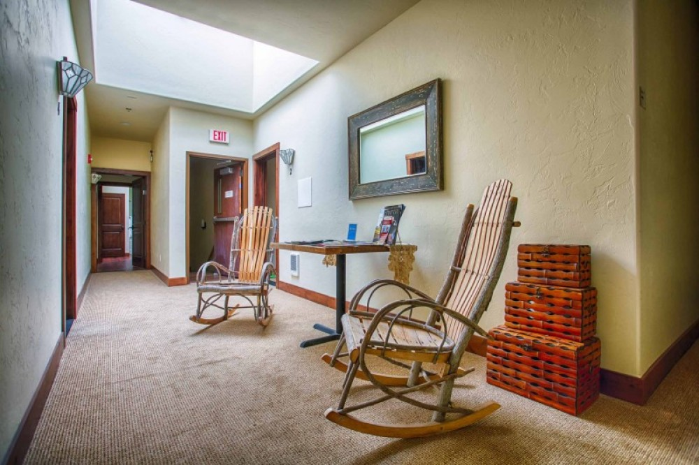 COMMON AREA - LOTS OF BROCHURES FOR LOCAL ACTIVITIES - LARGE SKYLIGHT! – Danny Nestor