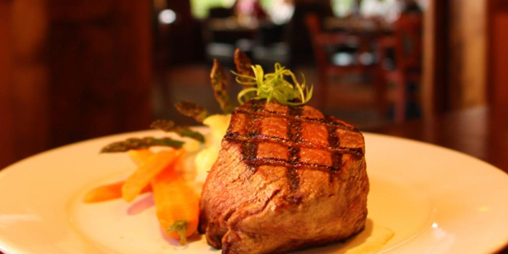 Boat Club Restaurant, Best Steaks in the Valley