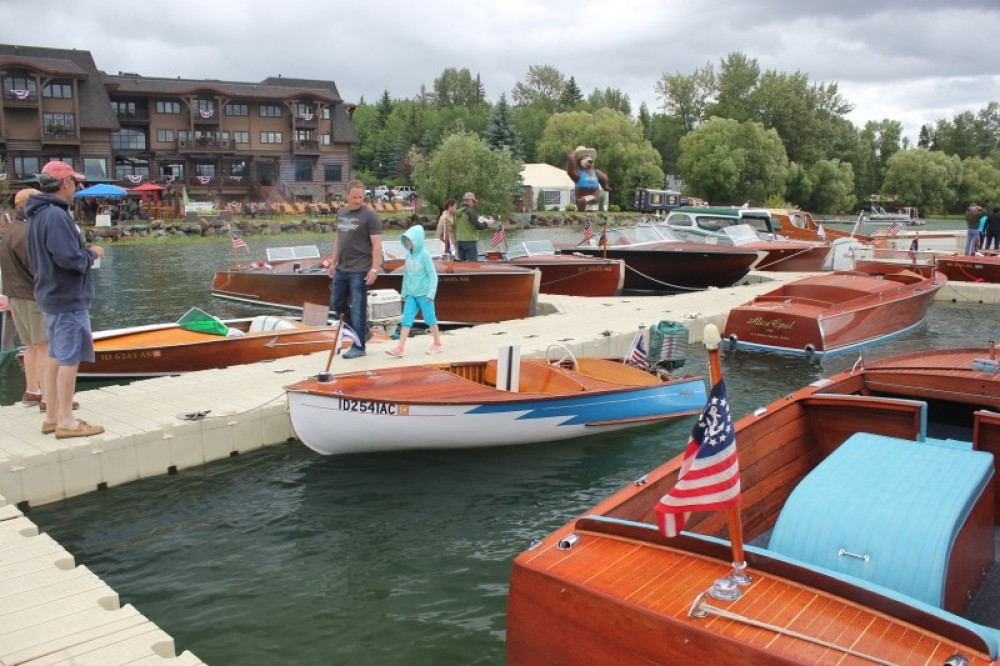 Classic outboards: a 1958 Penn Yan and a 1956 Aristocraft.. – Tim Salt