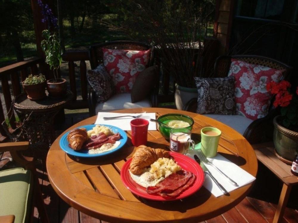 Coffee Bar deck breakfast