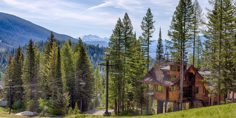 Ponderosa Chalet is located slopeside at Whitefish Mountain Resort, with Tamarack and Cedar chalets immediately adjacent – Trevon Baker