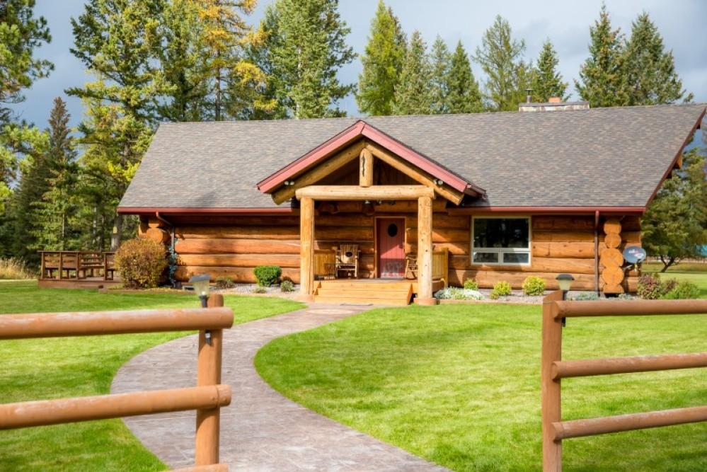 Stillwater Log Home – Green Kat Photography