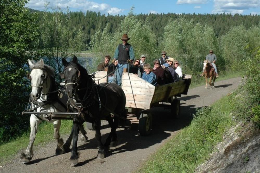 Bar W Ranch on Spencer Lake – Bar W Wagon Ride