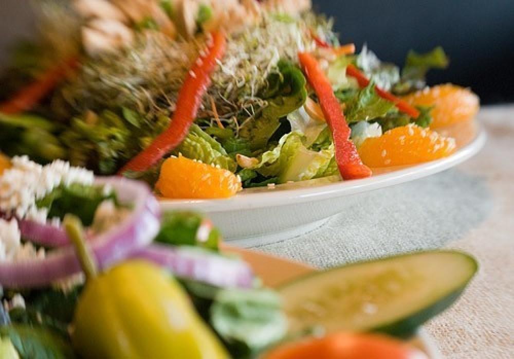 Tasty Salads – Heidi Long