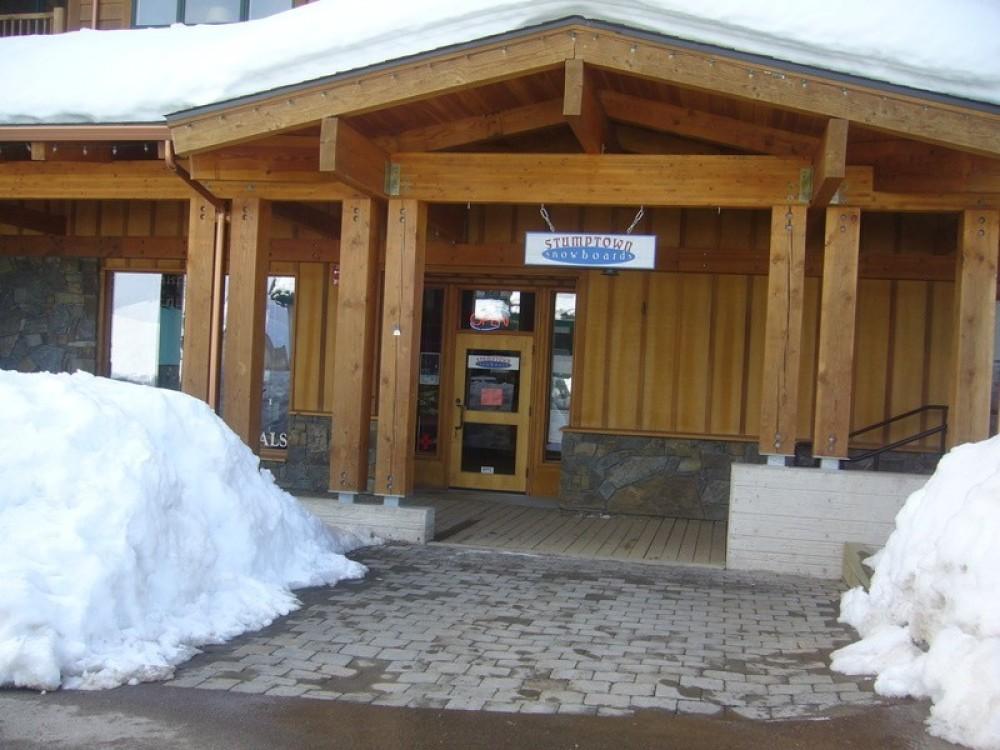 mountain shop: Morning Eagle Lodge, Whitefish Mountain Resort