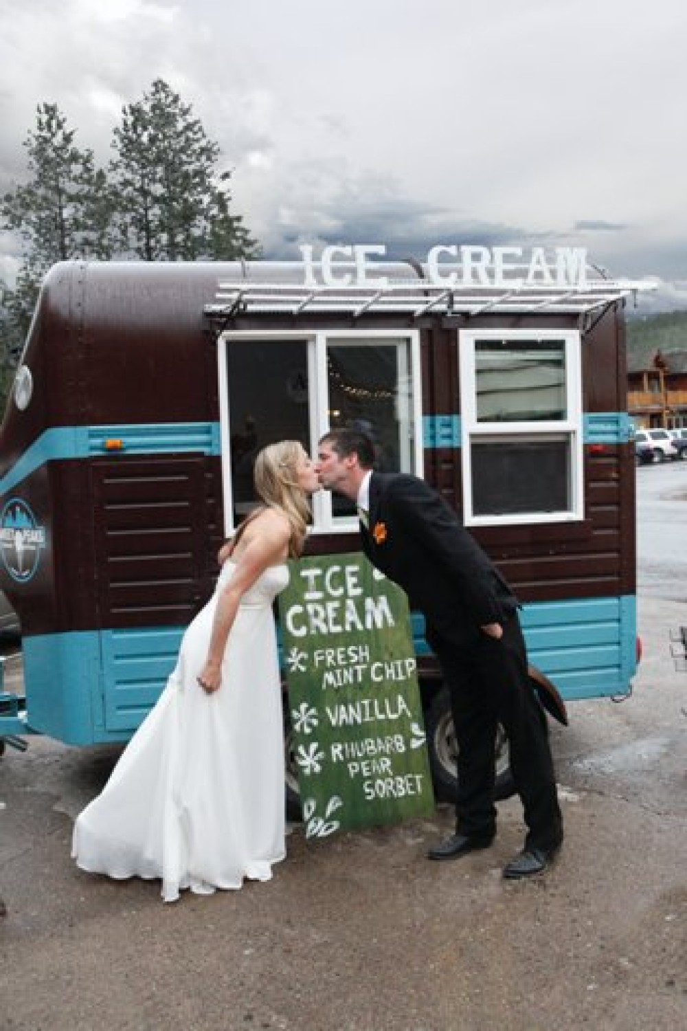 Sweet Peaks Mobile: The Chocolate Rocket – John and Collette Photography