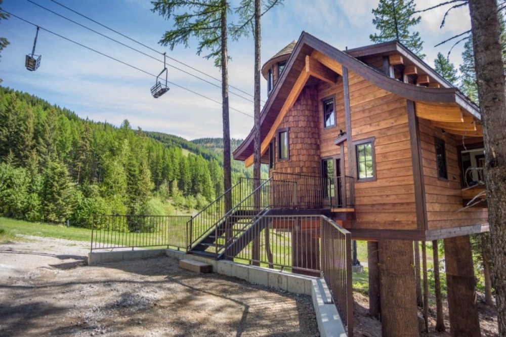 Come spoil yourself at Snow Bear Chalets! – Trevon Baker