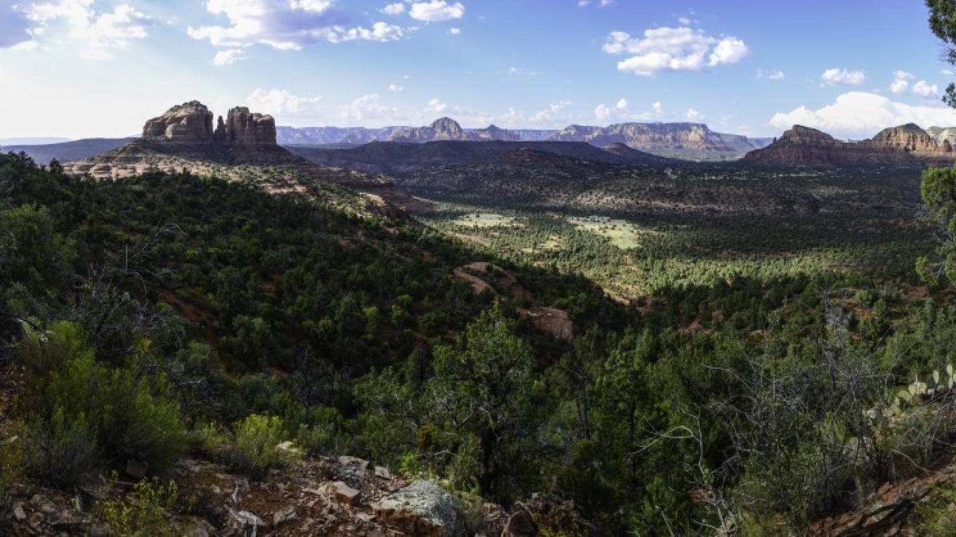 View of Cathedral Rock from Highline trail – Dalton Zanetti