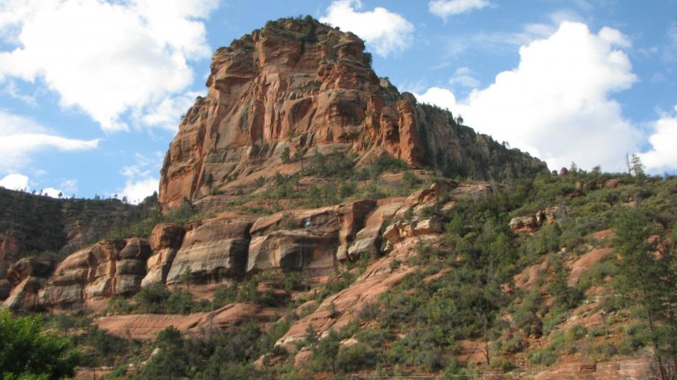 Part of the valley in Oak Creek Canyon at Slide Rock State Park in Sedona, Arizona. – Arizona State Parks