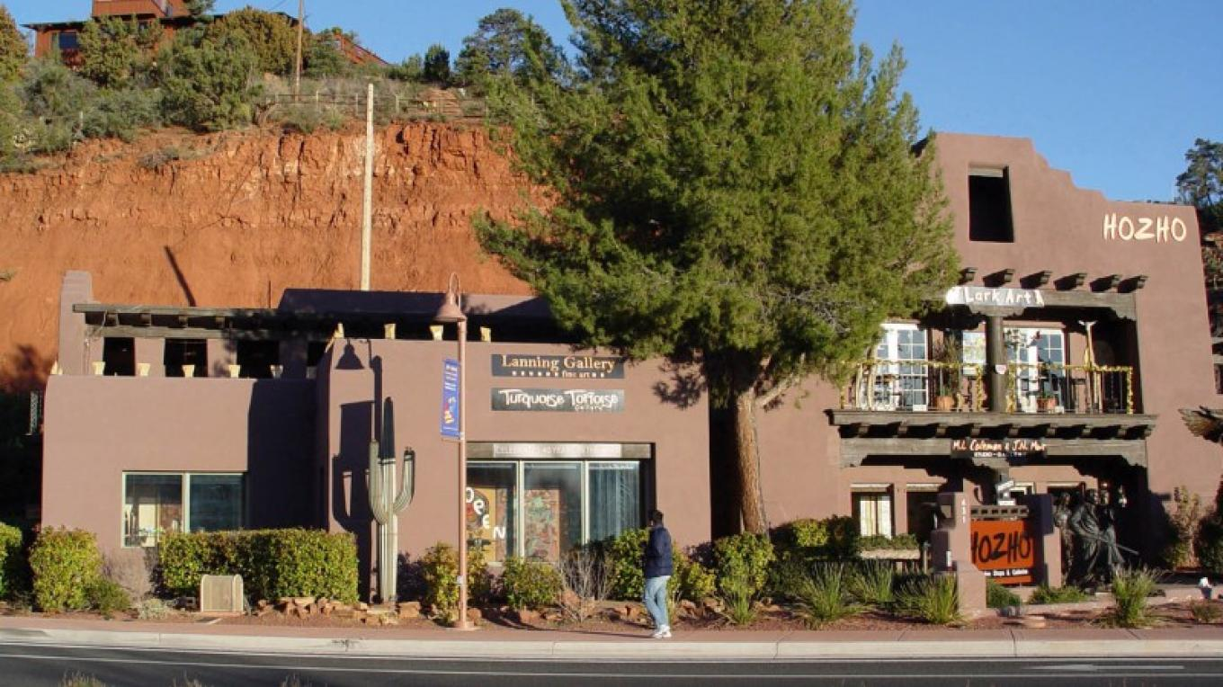Lanning Gallery is located at Hozho in the heart of the Gallery District. – courtesy Lanning Gallery or Michael Thompson